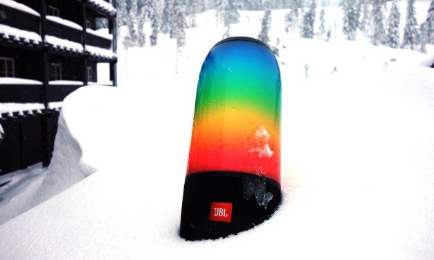 JBL Pulse 3: Højtaler i sneen med lysshow
